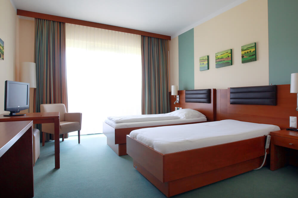 OptimaMed Bad Wimsbach Doppelzimmer